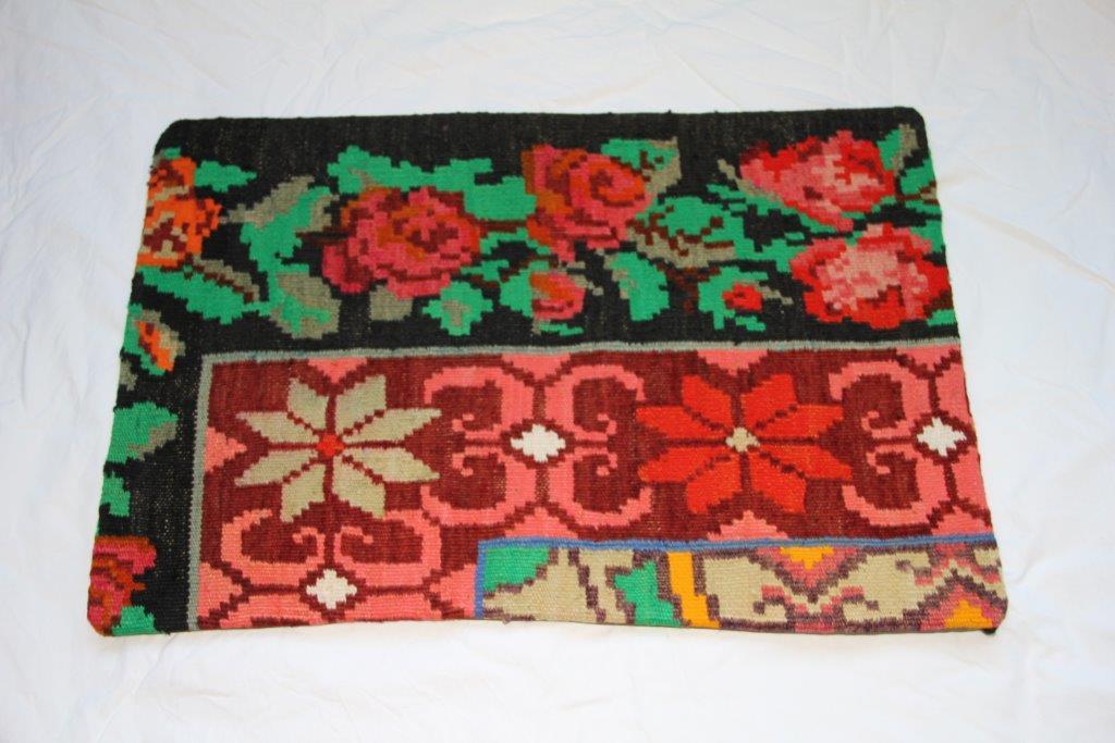 Kelim kussen  60cm x 40cm, handgeweven uit Moldavië, no 712 3ordt geleverd incl. binnenkussen