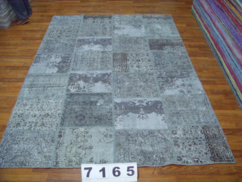 Grijs patchwork vloerkleed 7165 (300cm x 200cm) gemaakt van oude recoloured vloerkleden incl.onderkleed van katoen.