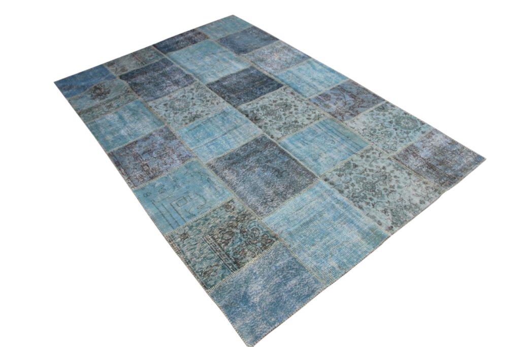 Blauw patchwork vloerkleed 7170(300cm x 200cm) gemaakt van oude recoloured vloerkleden incl.onderkleed van katoen.