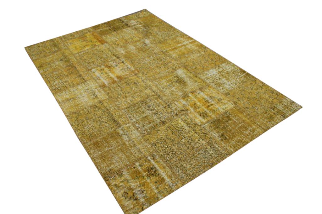 Okergeel patchwork vloerkleed   7178  (302cm x 202cm) gemaakt vintage vloerkleden incl.onderkleed van katoen.
