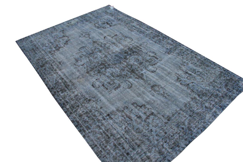 Recoloured klassiek vloerkleed nr 786 (335 cm x 220 cm) Dit vloerkleed kunnen wij begin mei leveren.