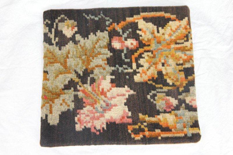 Kelim kussen no 811 (40cm x 40cm) Vintage kussen gemaakt van bloemen kelim uit Moldavie