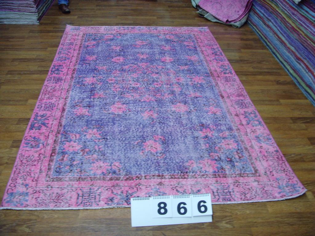 NIEUW INGEKOCHT blauw met roze vintage vloerkleed  uit Turkije 267cm x 167cm, no 866  LEVERBAAR VANAF 15 DECEMBER