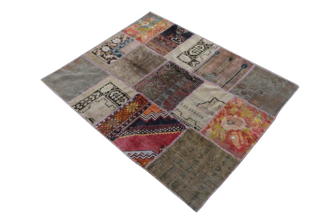 Vintage patchwork vloerkleed 900D (184cm x 146cm) gemaakt van recoloured vloerkleden