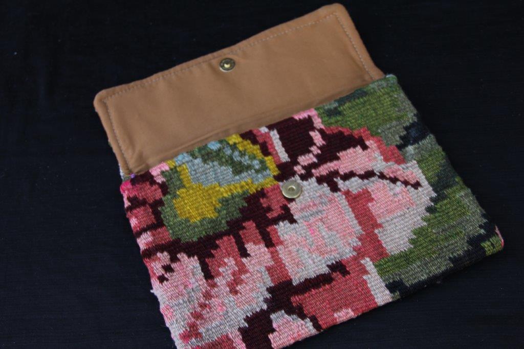 Kelimtas gemaakt van origineke rozenkelim stof, tas no 901  29cm x 22cm
