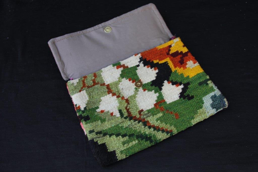 Kelimtas gemaakt van originele rozenkelim stof, tas no 902 29cm x 22cm