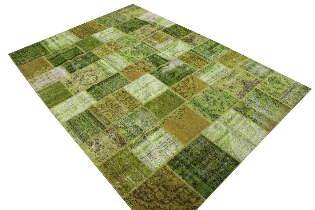 Groen patchwork vloerkleed 91 (335cm x 254cm) gemaakt van recoloured vloerkleden