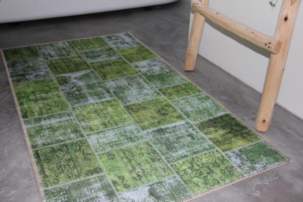 Laatste Badmat  patchwork groen 114cm x 65cm 100% polyester