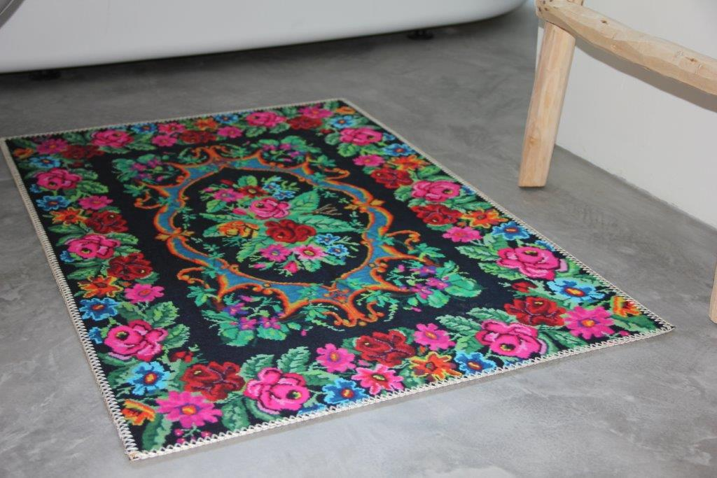 Laatste!! : Badmat  rozenkelim look 100cm x 62cm 100% polyester (nog slechts 3 op voorraad)