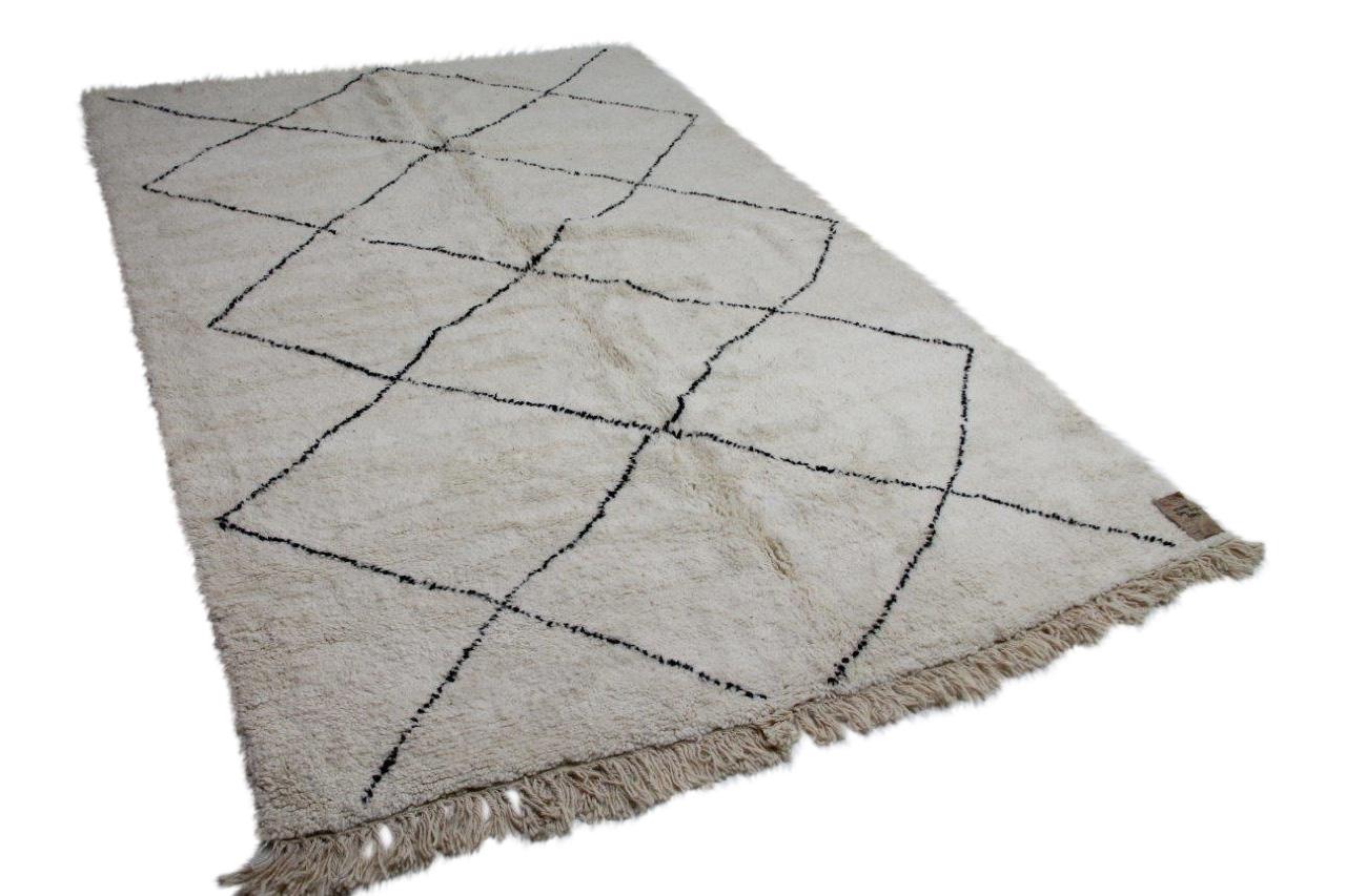 Beni ouarain vloerkleed uit Marokko 93298 309cm x 213cm