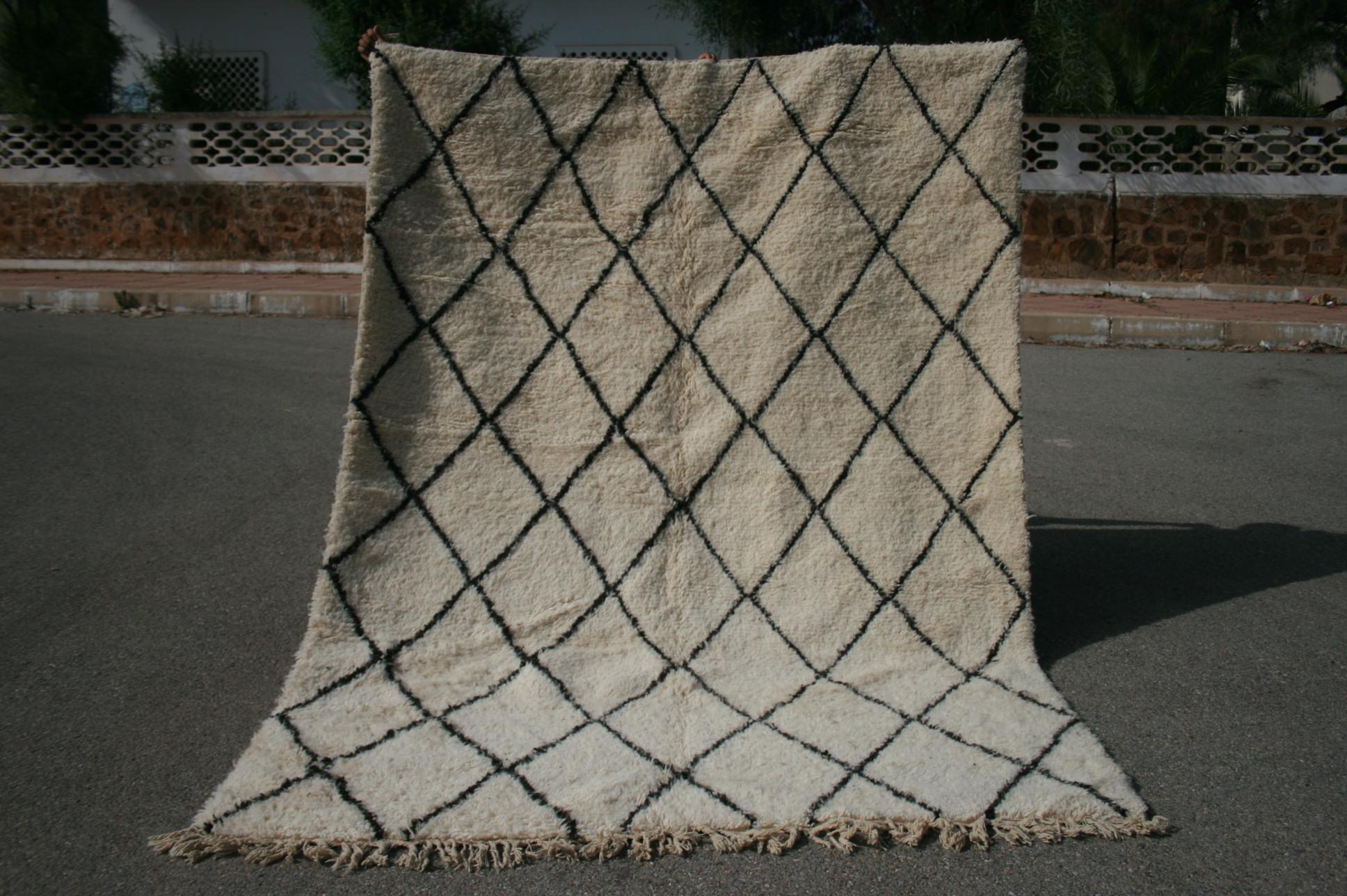 Beni Ouarain vloerkleed uit Marokko no 2564 (292cm x 217cm) Leverbaar vanaf 20 juli, nu bestelbaar.