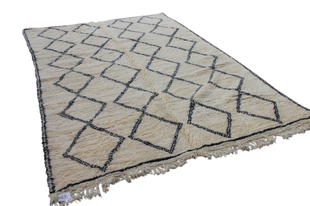 Ivoorwit Beni Ouarain vloerkleed uit Marokko no 9566 (324cm x 205cm)
