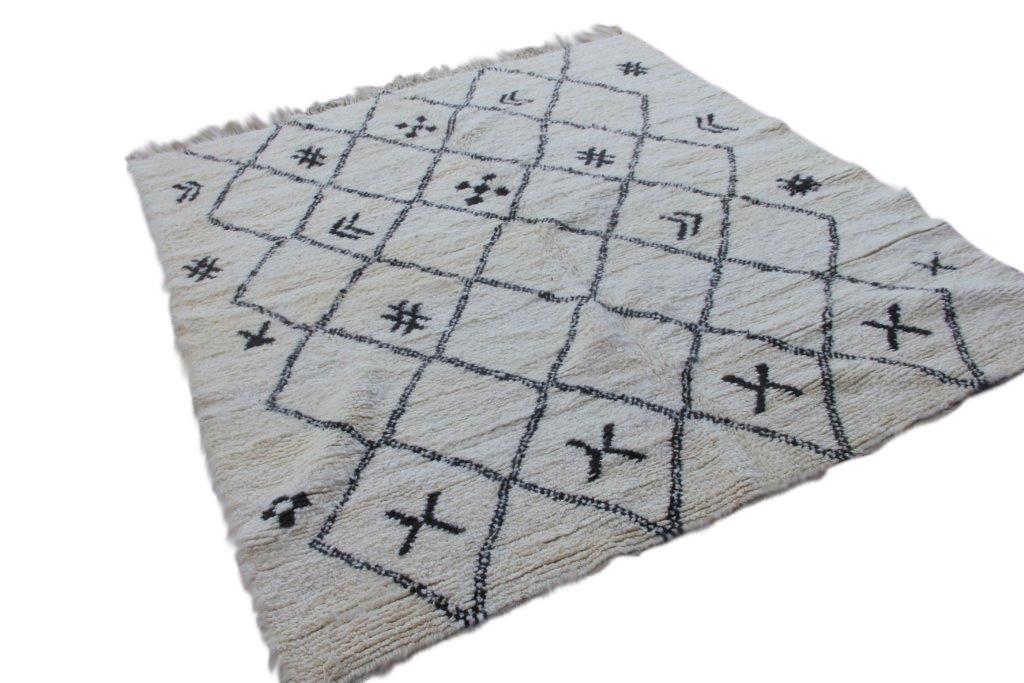 Ivoorwit Beni Ouarain vloerkleed uit Marokko no 9583 (220cm x 200cm)