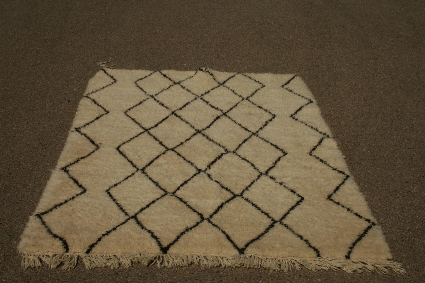 Klein Beni Ouarain vloerkleed uit Marokko 200cm x 154cm (nr 3245) (kleed wordt begin oktober in Nederland verwacht)