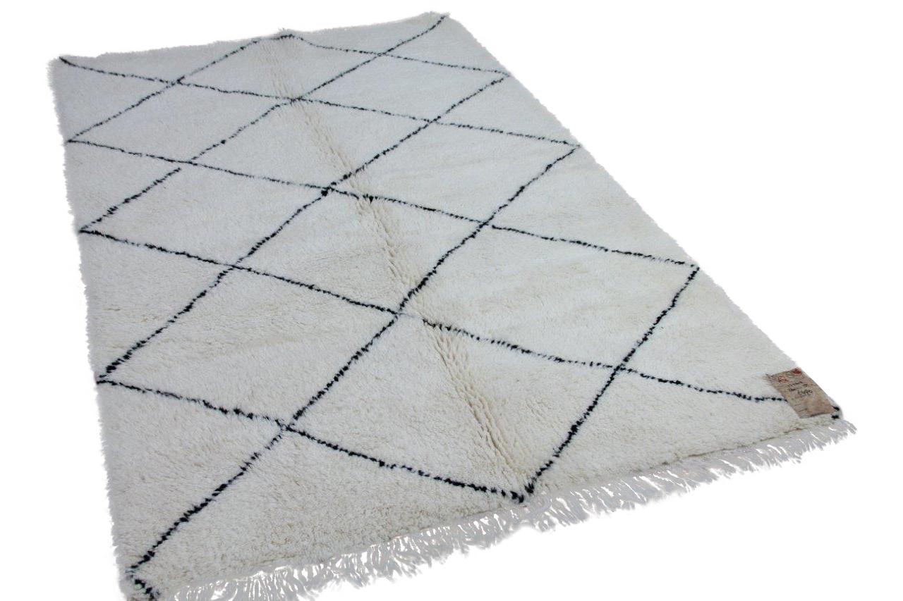 Beni ouarain hoogpolig vloerkleed uit Marokko 17548 240cm x 175cm