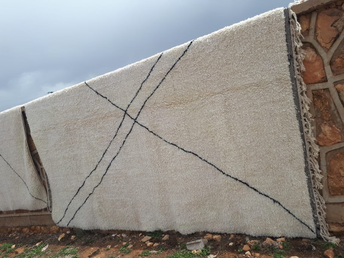 Beni ouarain hoogpolig vloerkleed uit Marokko  300cm x  250cm  Dit kleed wordt begin juni bij ons verwacht