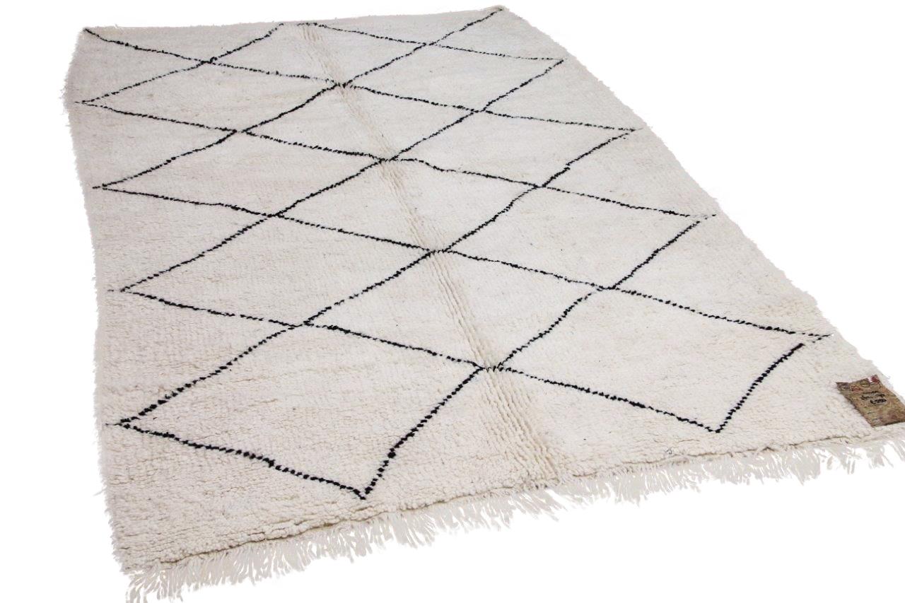 Beni ouarain hoogpolig vloerkleed uit Marokko 41405 262cm x 170cm