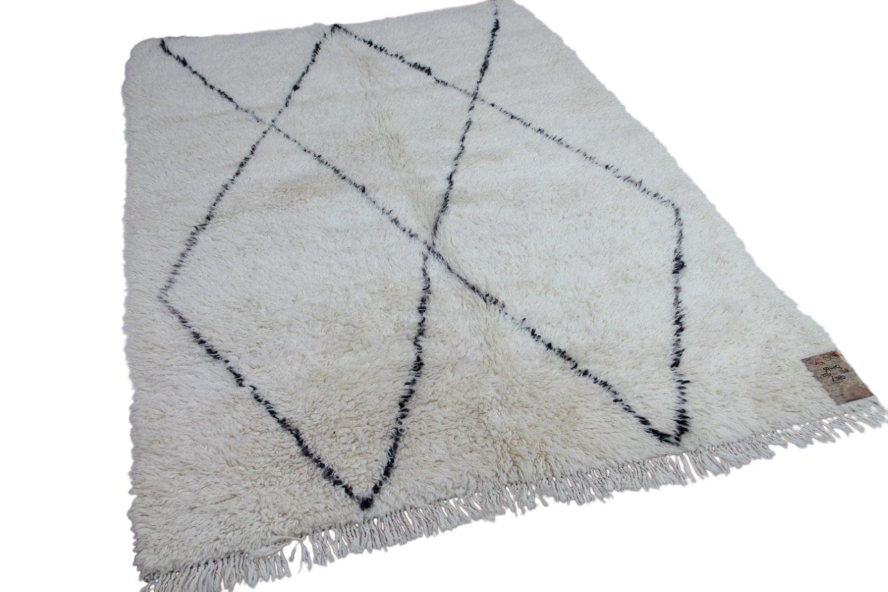 Beni ouarain hoogpolig vloerkleed uit Marokko 59470 226cm x 168cm