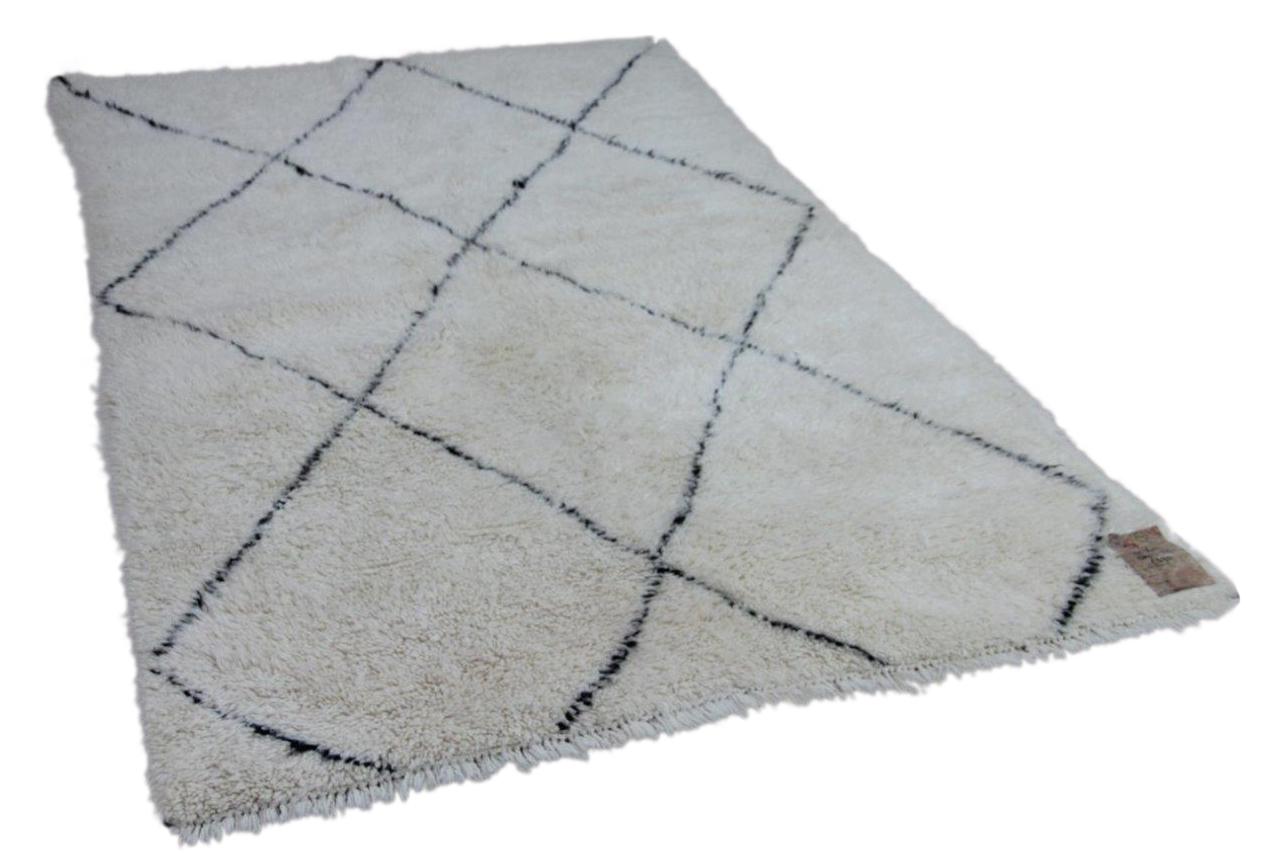 Beni ouarain hoogpolig vloerkleed uit Marokko 81360 250cm x 155cm