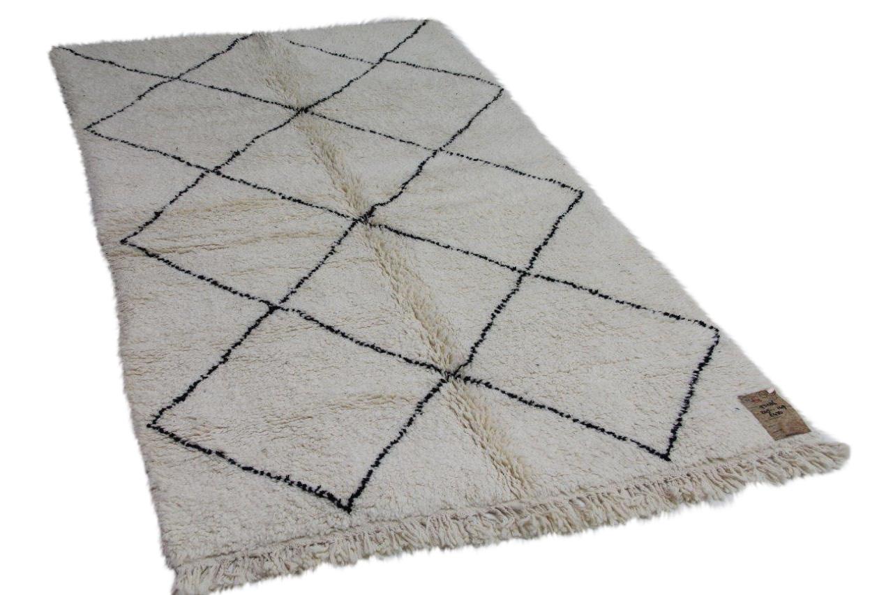 Afbeelding van Beni ouarain hoogpolig vloerkleed uit Marokko 245cm x 149cm
