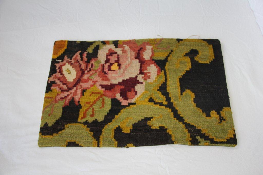 Kelimkussen nr xxx (60cm x 40cm) incl. binnenkussen. Kussen gemaakt van authentieke rozenkelim