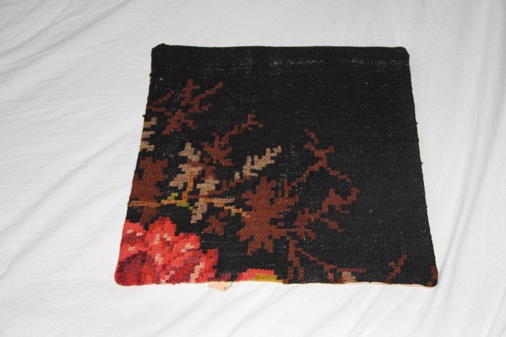 VERKOCHT Rozenkelim kussen D030 (40cm x 40cm)  (zonder binnenkussen)