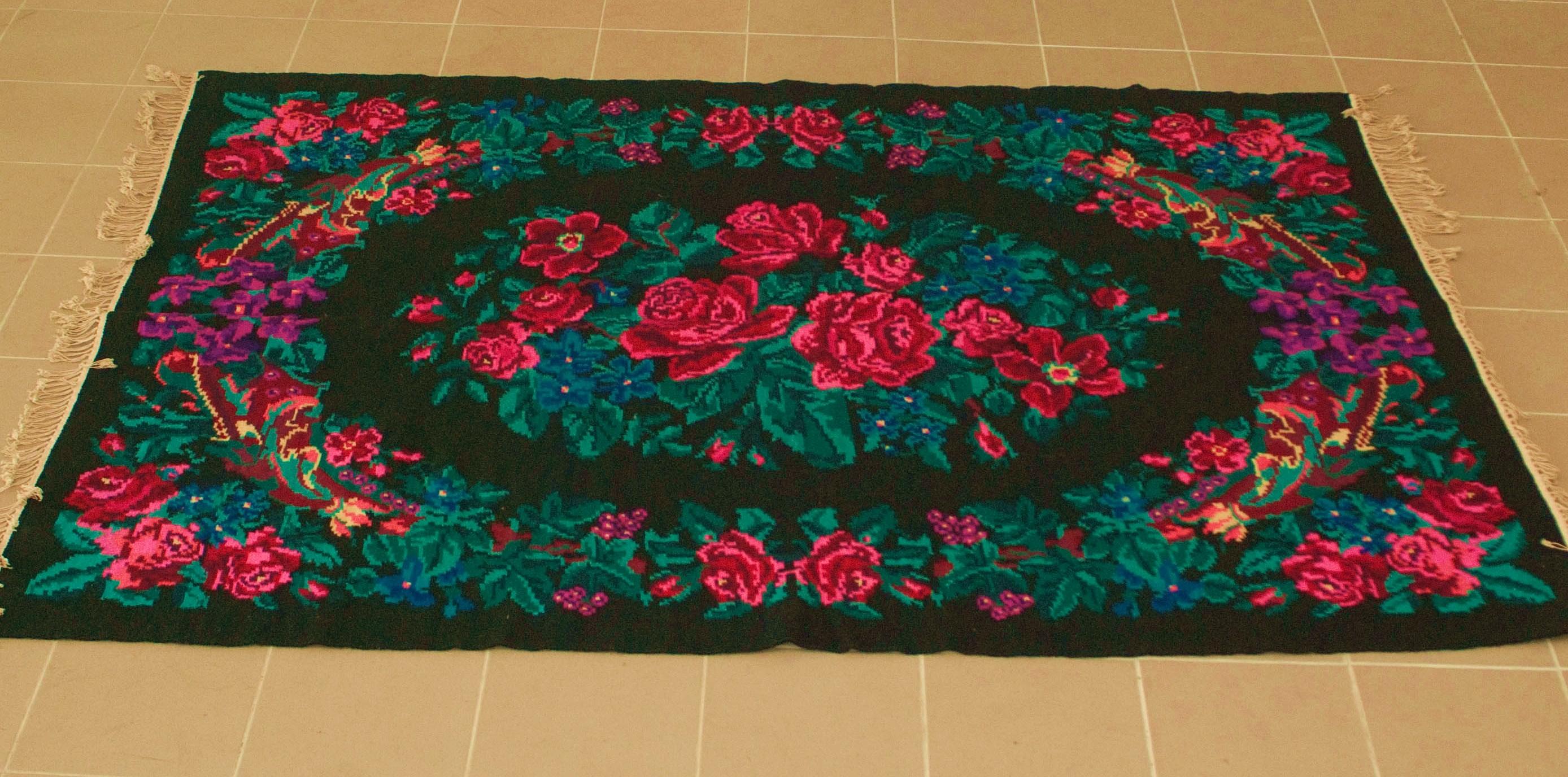 Unieke oude rozenkelim nr 0463 (162cm x 229cm)
