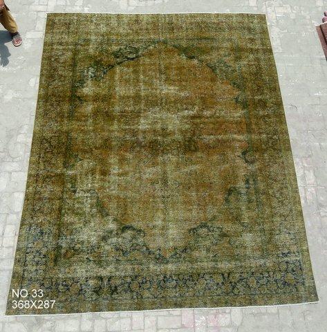 Olijfgroen recoloured vloerkleed no 33 (368cm x 287cm) VERKOCHT!!