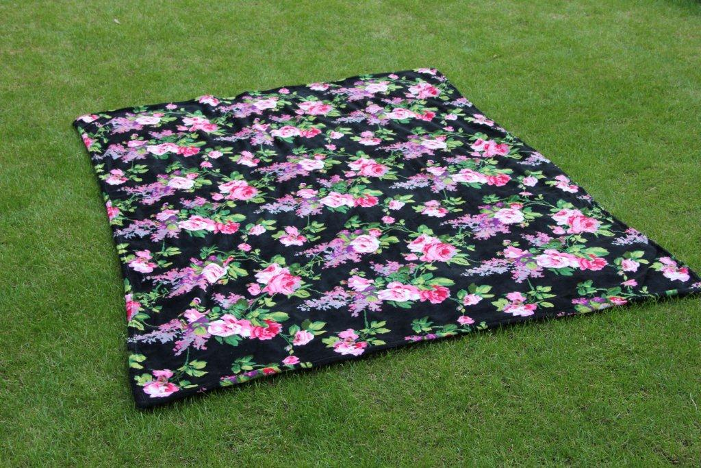 Zwart plaid (200cm x 150cm)