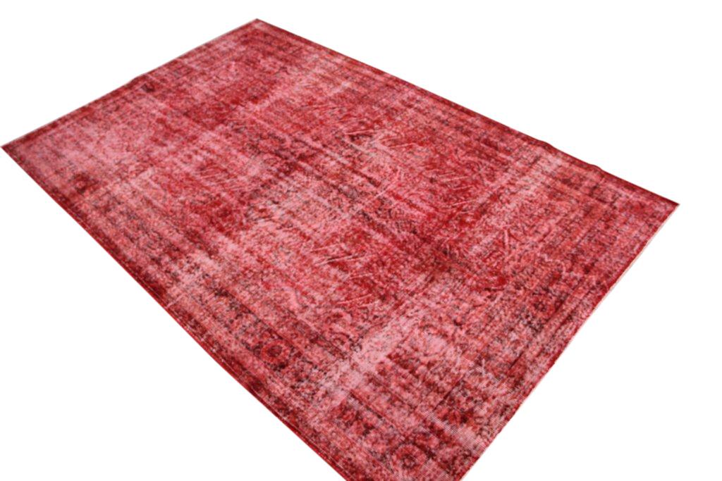 Rood stoer vloerkleed nr 830 ( 302cm x 196cm) tapijt wat een nieuwe hippe trendy kleur heeft gekregen.
