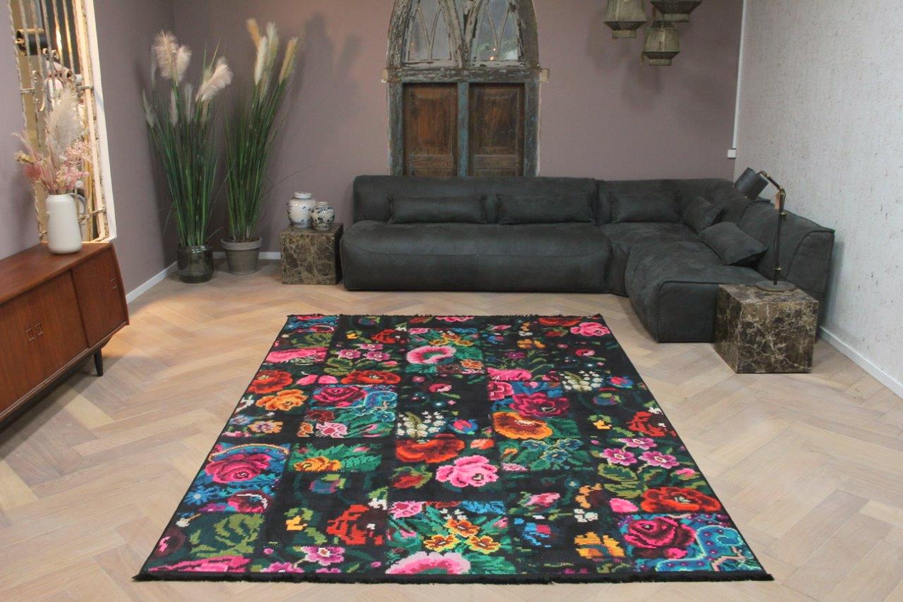 patchwork rozenkelim