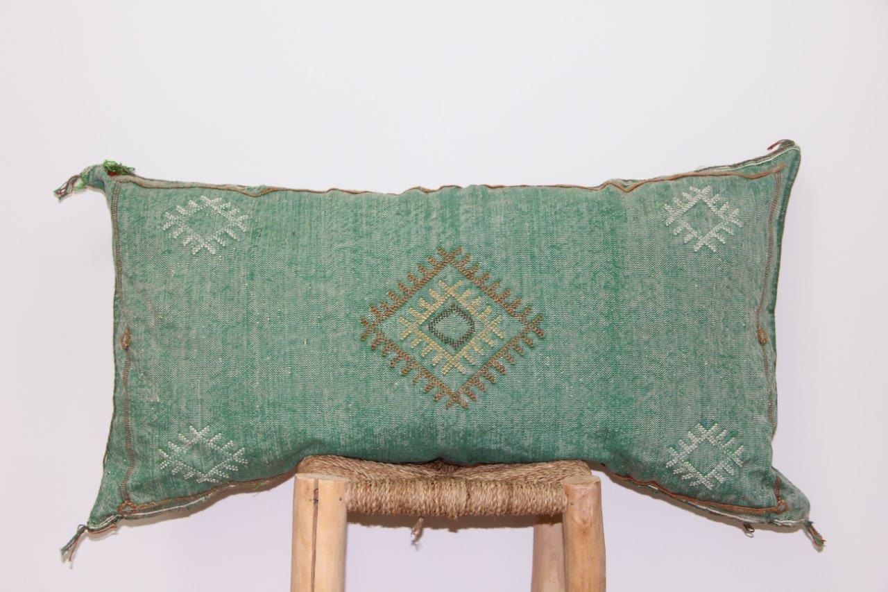 groen kussen uit Marokko 100cm x 50cm nr 3207