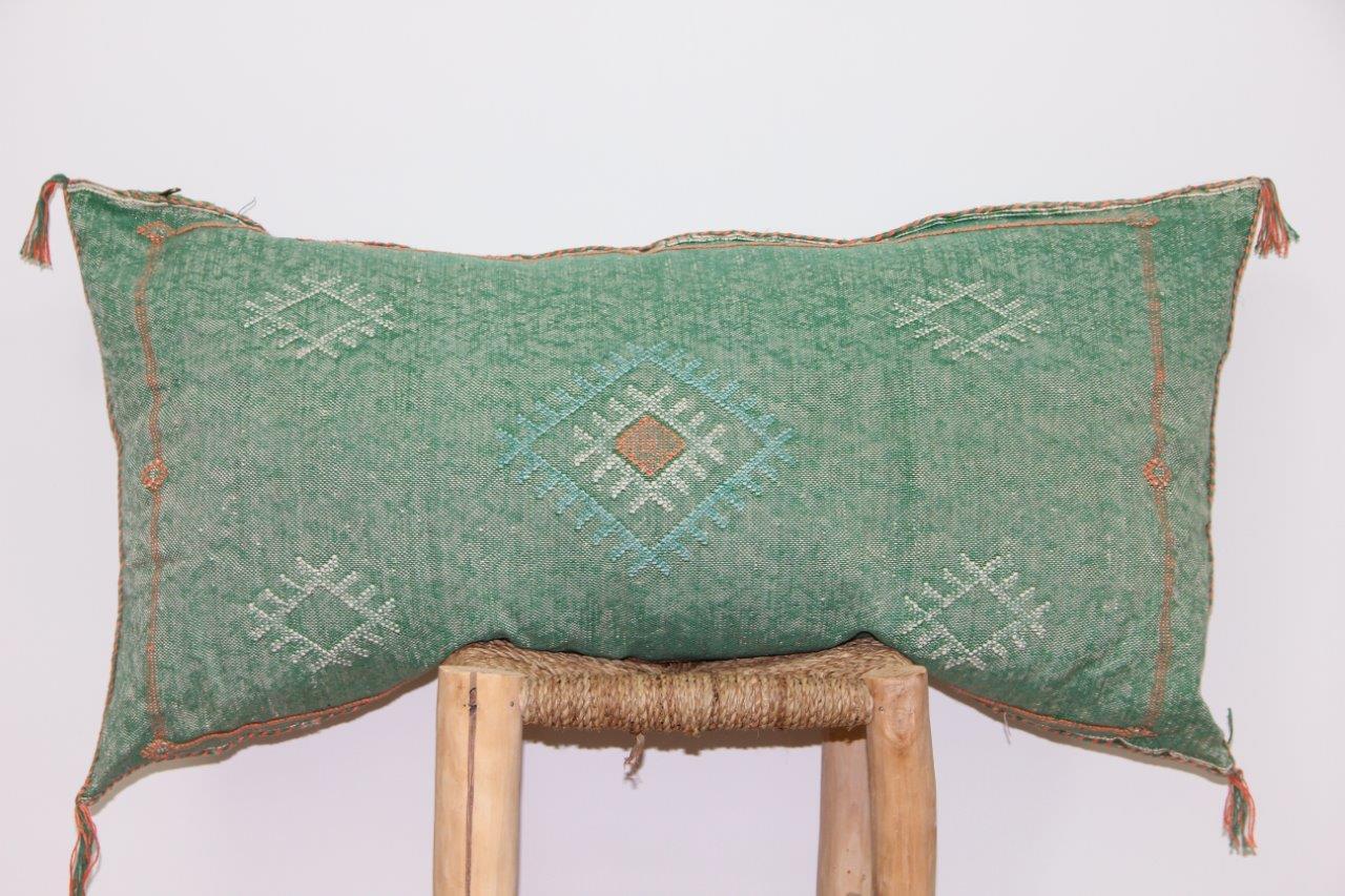 Groen kussen uit Marokko 100cm x 50cm nr 3208