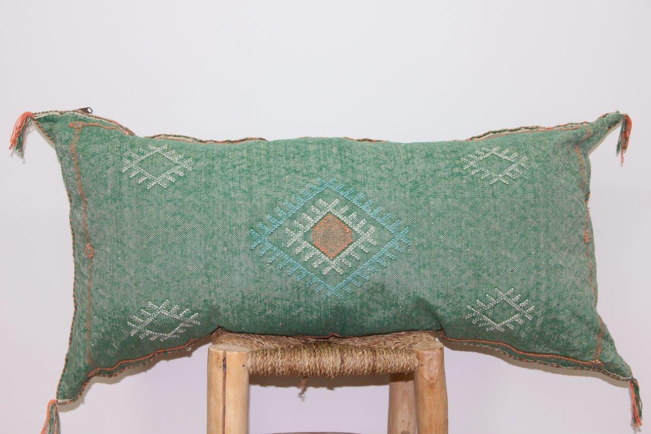 groen kussen uit Marokko 100cm x 50cm nr 3209