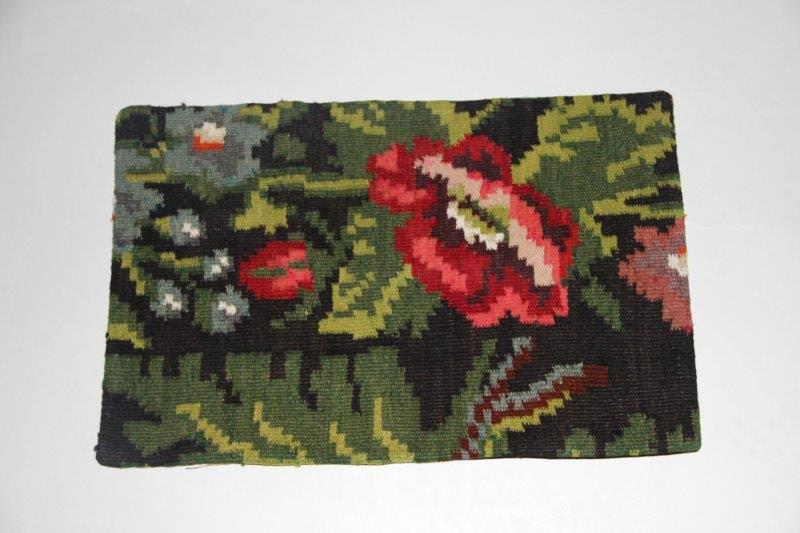 Kelimkussen nr 1806 (60cm x 40cm) incl. binnenkussen. Kussen gemaakt van authentieke rozenkelim