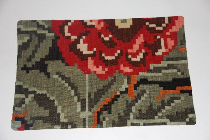 Kelimkussen nr 1818 (60cm x 40cm) incl. binnenkussen. Kussen gemaakt van authentieke rozenkelim