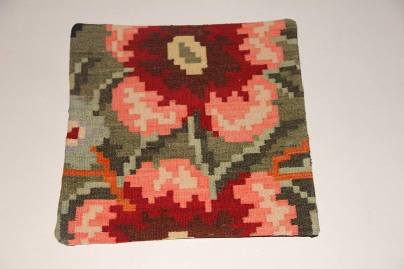 Kelimkussen nr 1919 (45cm x 45cm) incl. binnenkussen. Kussen gemaakt van authentieke rozenkelim