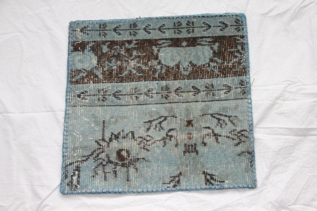 Recoloured vintage kussen 600 (50cm x 50cm)