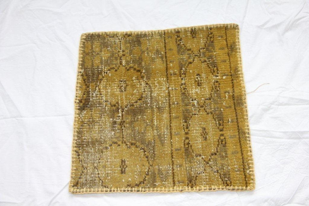 Recoloured vintage kussen 611 (50cm x 50cm)