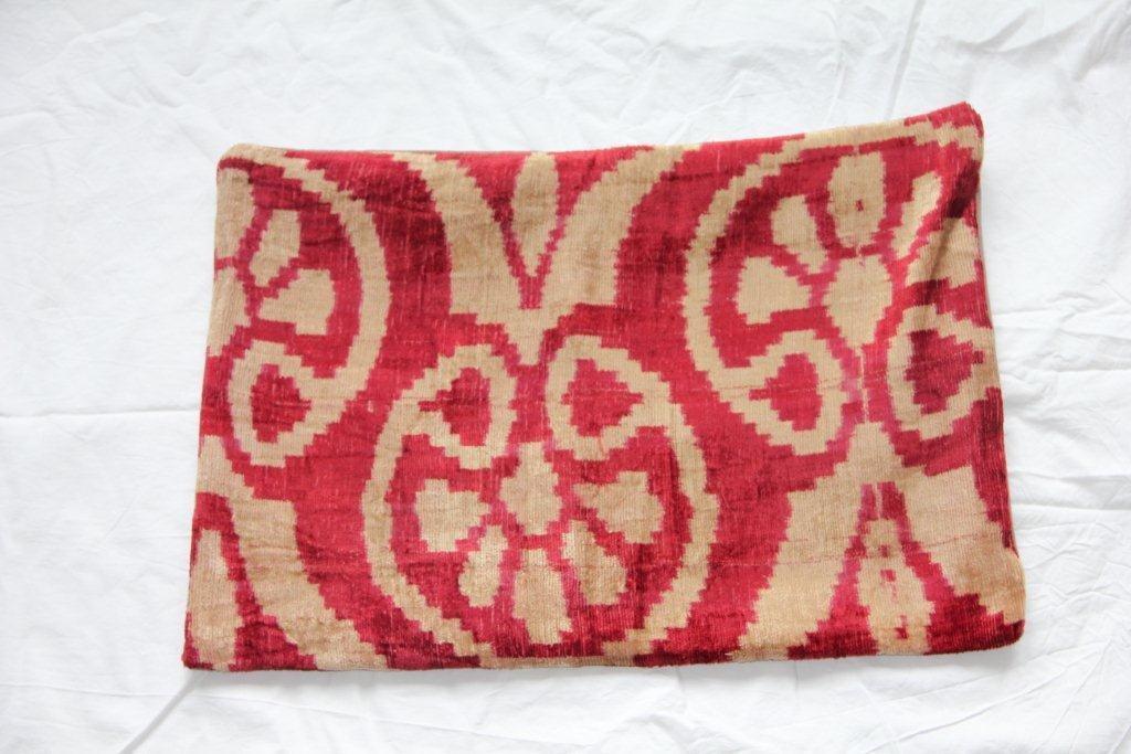 Kussen gemaakt van oude Turkse stof 626 (60cm x 40cm)