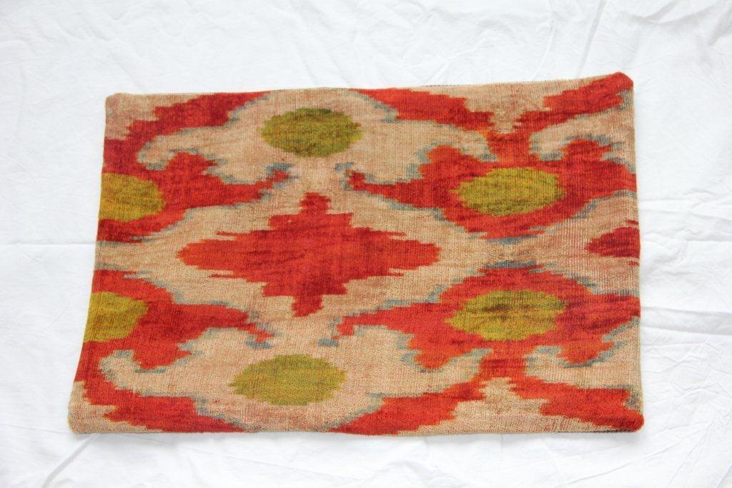 Kussen gemaakt van oude Turkse stof 631(60cm x 40cm)