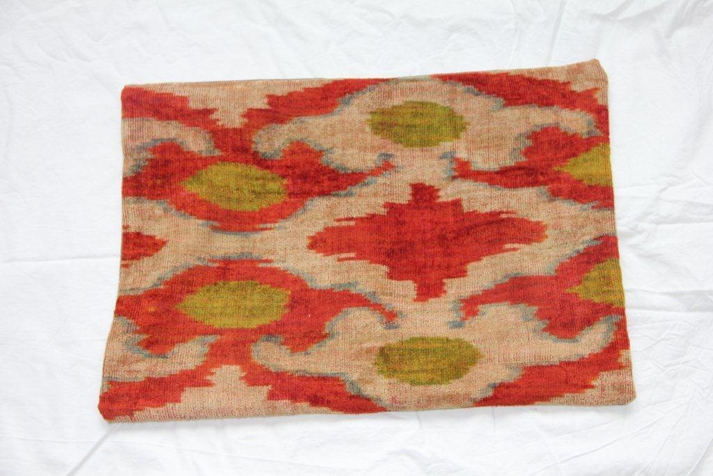 Kussen gemaakt van oude Turkse stof 632 (60cm x 40cm)