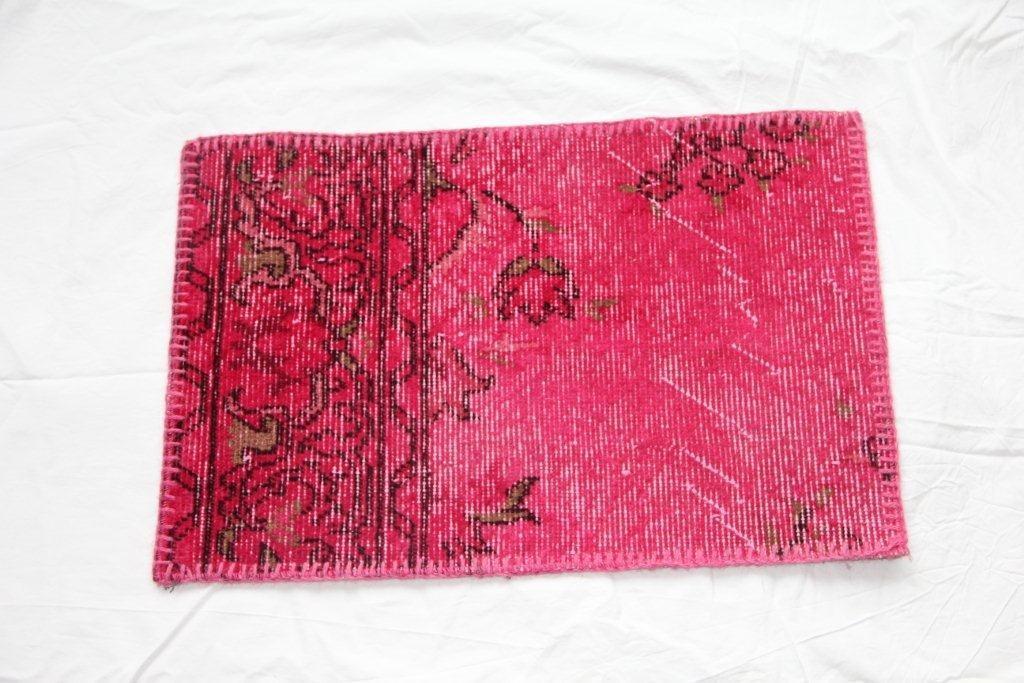 Recoloured vintage kussen 647 (60cm x 40cm)