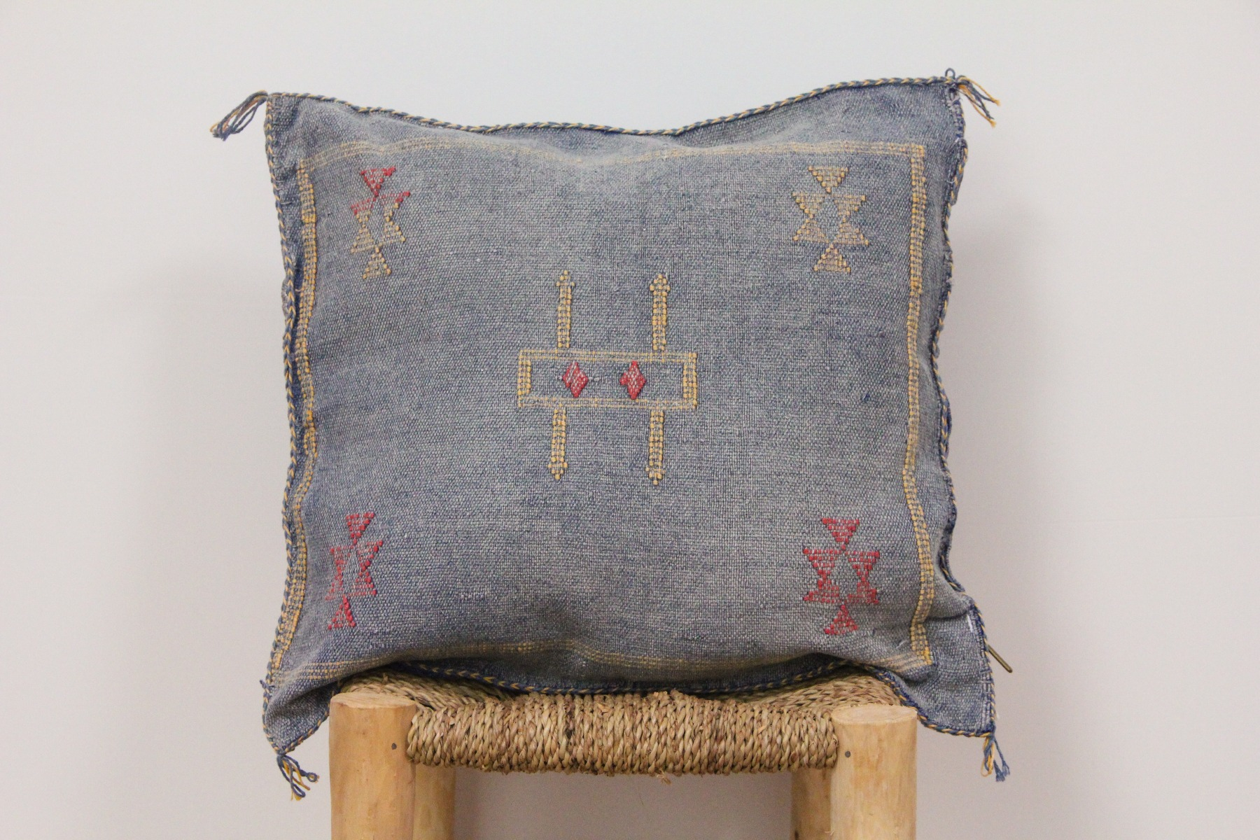 Kussen uit Marokko 45cm x 45cm incl vulling nr.8010