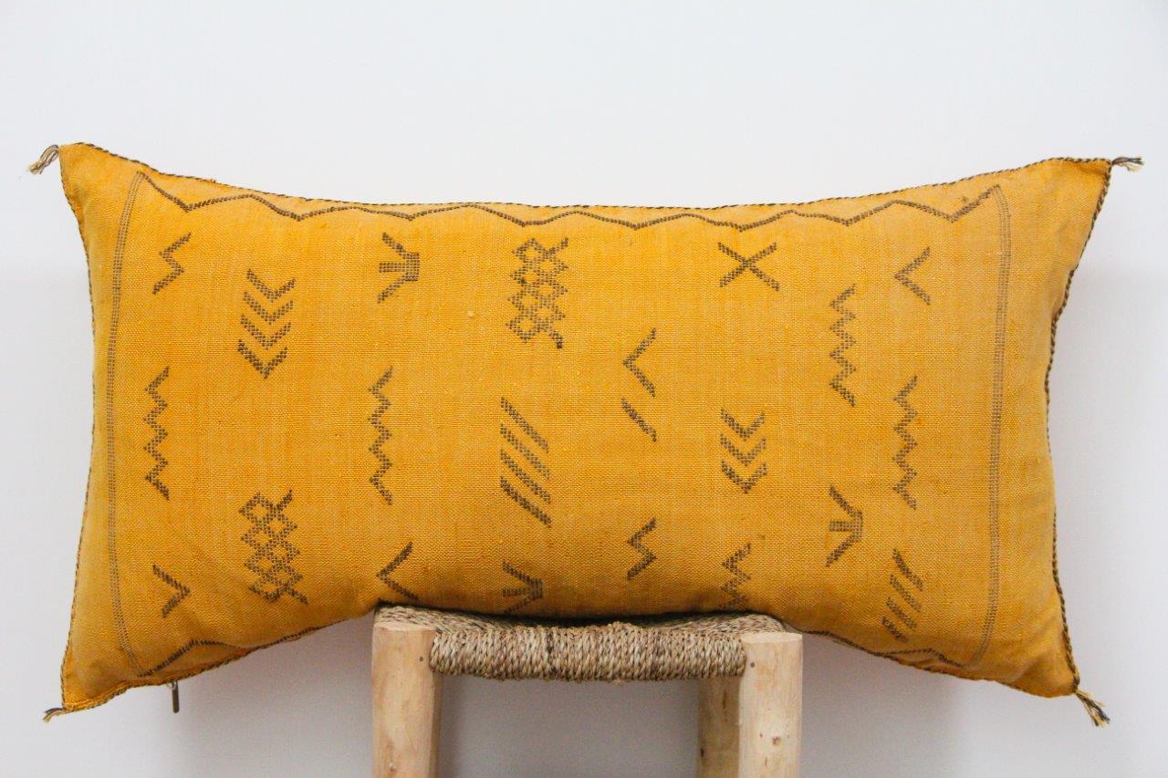 Kussen uit Marokko 100cm x 50cm incl vulling nr.9017
