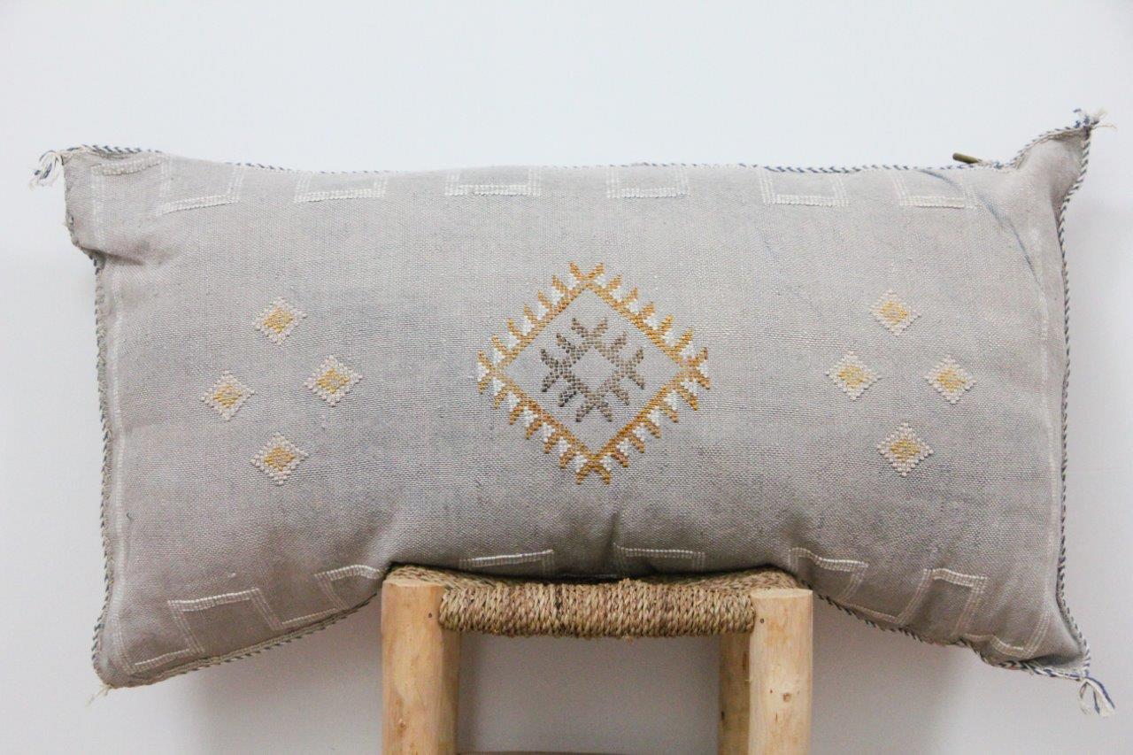 Kussen uit Marokko 100cm x 50cm incl vulling nr.9025