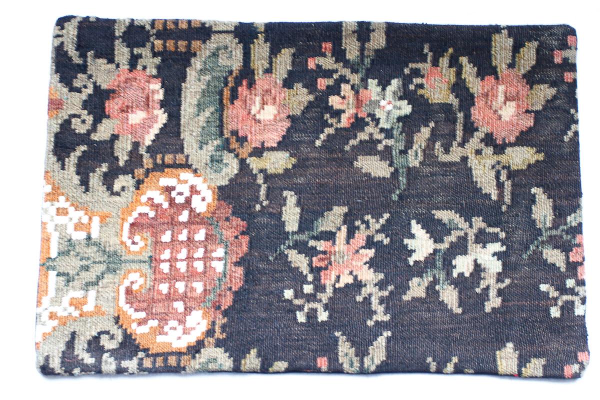 Rozenkelim kussen nr 1501 (60cm x 40cm) Kussen gemaakt van authentieke rozenkelim, inclusief binnenkussen