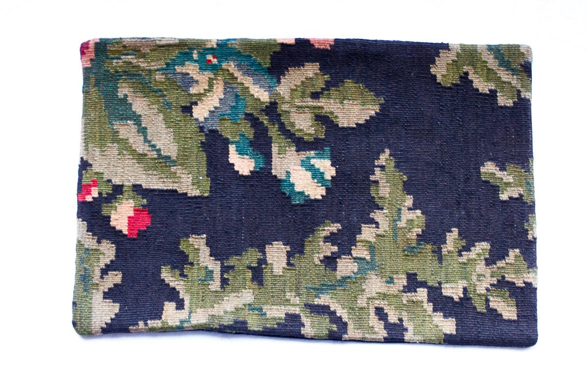 Rozenkelim kussen nr 1506 (60cm x 40cm) Kussen gemaakt van authentieke rozenkelim, inclusief binnenkussen