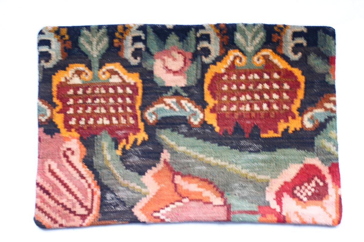 Rozenkelim kussen nr 1515 (60cm x 40cm) Kussen gemaakt van authentieke rozenkelim, inclusief binnenkussen
