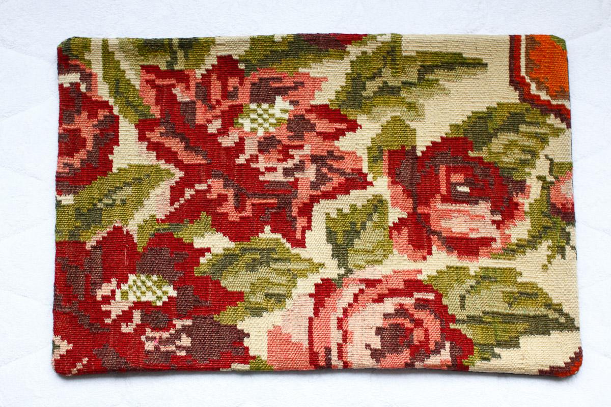 Rozenkelim kussen nr 1525 (60cm x 40cm) Kussen gemaakt van authentieke rozenkelim, inclusief binnenkussen